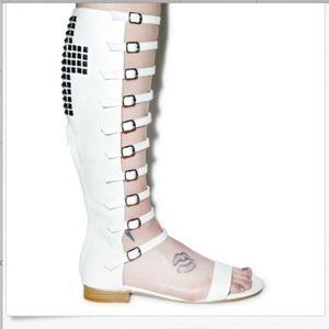 Buckled Gladiator Stud Cross Sandal white  10